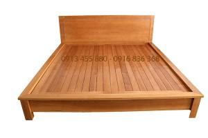 Giường ngủ gỗ Sồi GN889